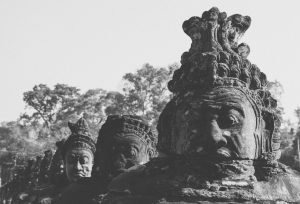 Black and White image of statues